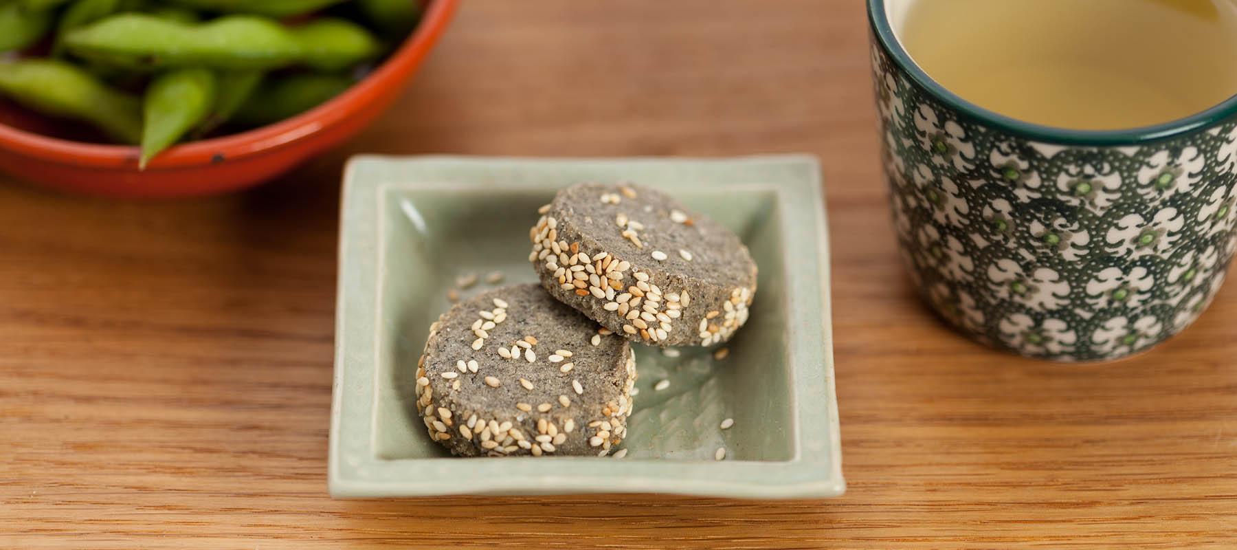 1800x800_Black_Sesame_Cookies_kame_japanese_bakery_still_1