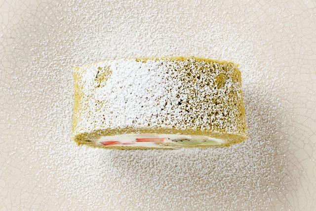 Matcha_roll_cake_kame_japanese_bakery_1